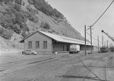 NZ Railway, Rail Air Service Depot Paekakariki 1947 - Alexander Turnbull Library