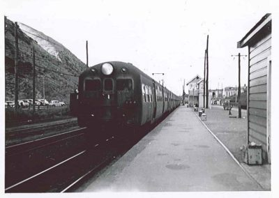 Unit on South Bound Platform - Note Boxes for cups & saucers  etc - Carson Collection